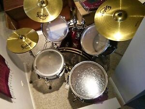 Solar drum kit with cymbals