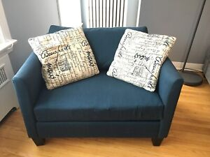 Love Seat (NEGOTIABLE)