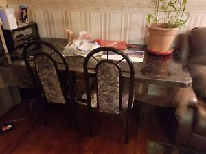 MOVING SALE - selling a dinning table