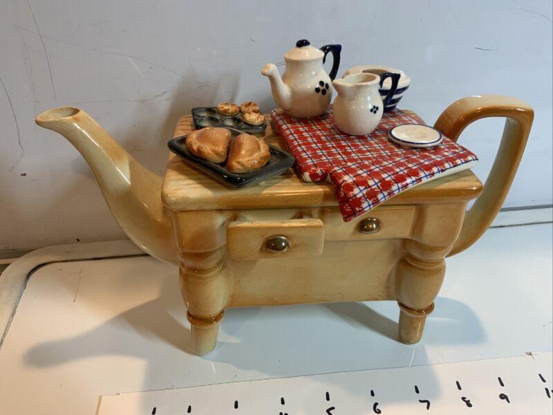 PAUL CARDEW DESIGNS ENGLAND SIGNED BAKERS Bakery Teapot Pies Baking MINT N/200
