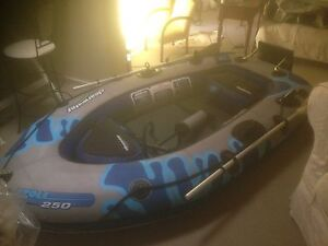 Inflatable dingy with motor mount Para Hills Salisbury Area Preview