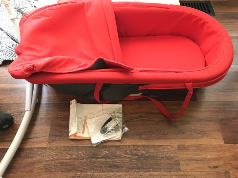 stokke xplory  carry cot red model 175503