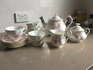 Royal Albert 'Zanda Rhodes' Tea Set Newcastle Newcastle Area Preview