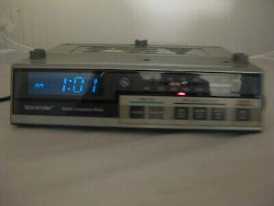 Vintage Spacemaker Kitchen Companion AM/FM Radio RV Camper Garage Shop 7-4225A
