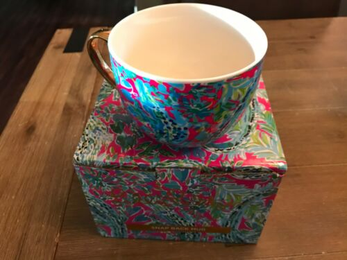 NEW Lilly Pulitzer Snap Back  Mug (Signed) in Original box