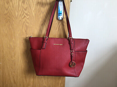 Jet Set Large Saffiano Leather Top-Zip Tote Bag Red