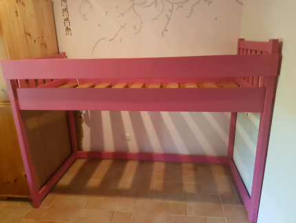 Loft bed single