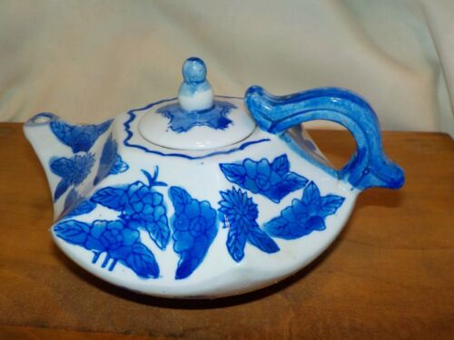 Chinese Antique Hexigon Short Blue & White Flower Floral Teapot Porcelain