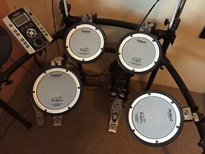 TD-9 Roland Drum Kit South Lake Cockburn Area Preview