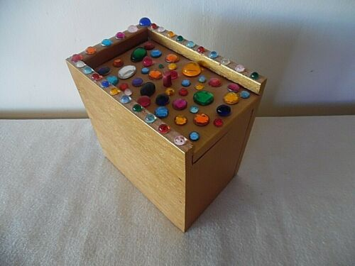 HAND CRAFTED WOODEN JEWELED BOX  TABLE TOP MOUSE SURPRISE