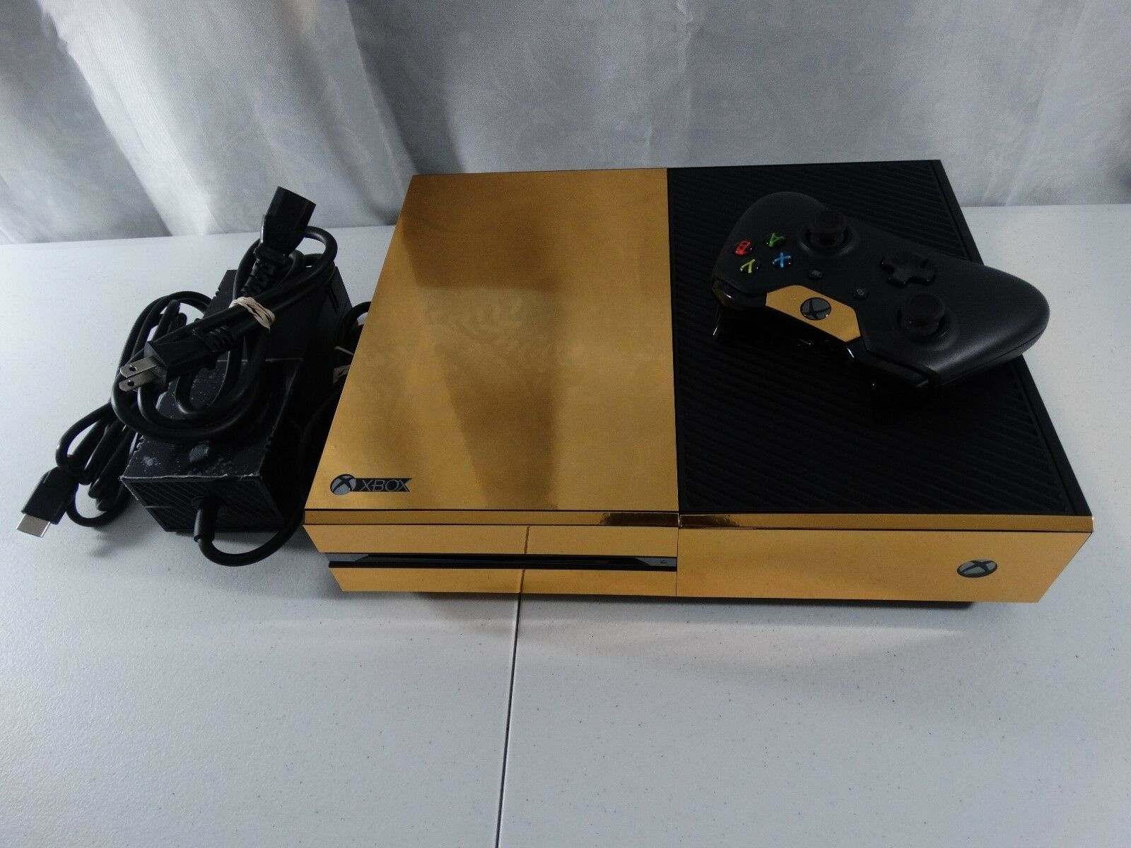 Microsoft Xbox One (1) 500 GB Console System - Gold Fully Working