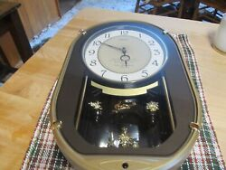 SEIKO KEEPSAKE MELODY IN MOTION MUSICAL WALL CLOCK - 6 SONGS - GRT WORKING COND