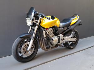 Honda CB900F Hornet 919cc naked bike 2002 New Farm Brisbane North East Preview