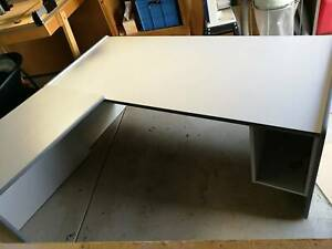 FREE Desk with side return in good condition