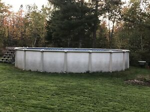 27 foot round pool