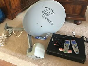 9242 HD PVR Receiver and Satellite Dish