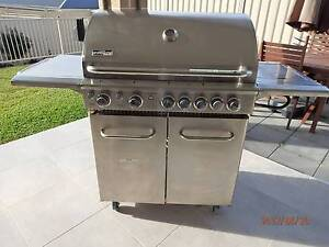 Cucina Professional 5 Burner Barbeque, Wok and Rotisserie Gwandalan Wyong Area Preview