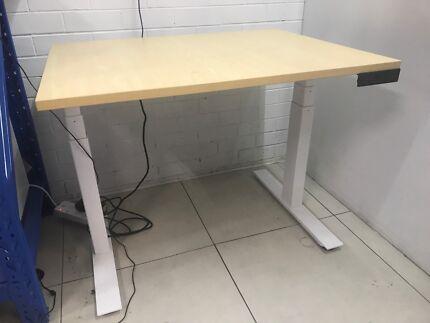 New standing desk RRP$799
