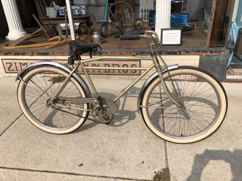 Vintage Colson Flyer 1935 Mens Straight Bar Bicycle