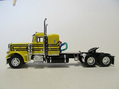 DCP FIRST GEAR 1/64 SCALE 359 PETERBILT SMALL BUNK, YELLOW & BLACK 1