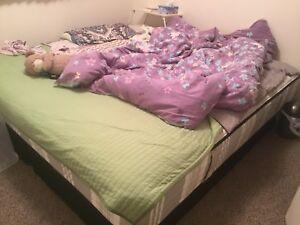 Kingsdown KING SIZE mattress with bottom boxes