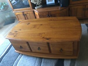 Coffee table in brand new condition