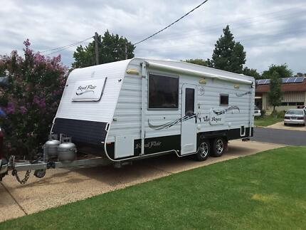 Royal Flair caravan Van Royce model 2012 as new