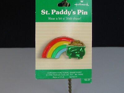 St Patrick's Day Pot Of Gold (Hallmark St Patrick's Day Rainbow w/Pot of Gold Lapel)