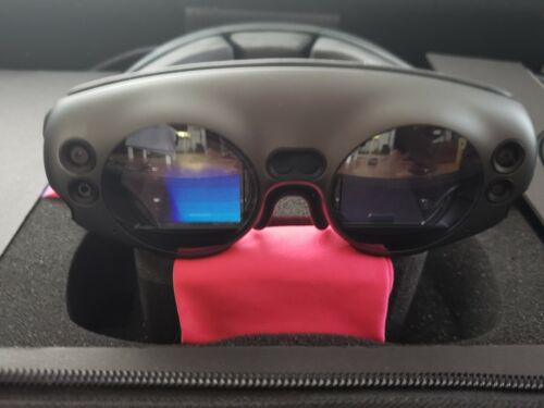 Magic Leap Augmented Reality One Size with carry case AR headset OS 0.98.10