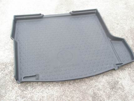 HOLDEN COMMODORE VE-VF SEDAN BOOT LINER Marks Point Lake Macquarie Area Preview