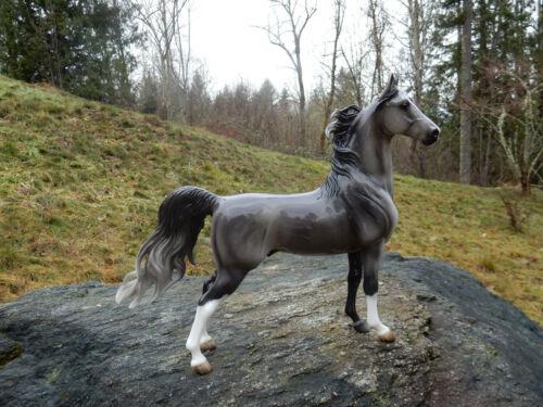 Breyer Glossy American Saddlebred Stallion BreyerFest 2013 711163
