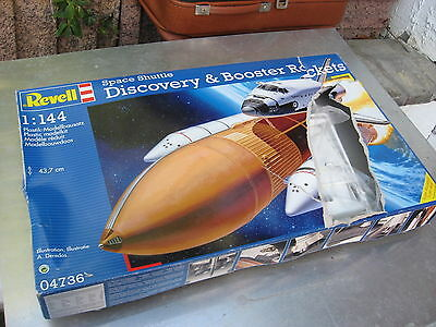 Revell 04730 Space Shuttle Discovery + Booster Rockets - 1:144