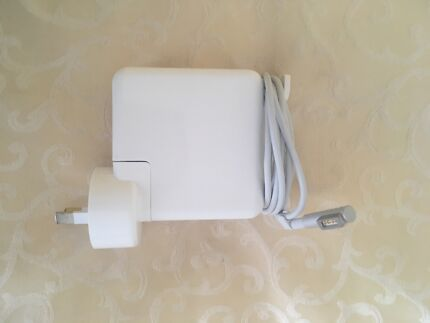 Macbook charger pre 2012 W60w