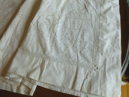 Charming Antique Italian Embroidery ? Monogram Sheet Eyelets Cutwork Filet Lace