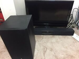 Samsung flat screen.  Older model works fine