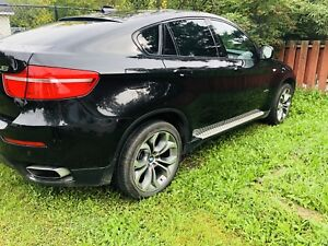 2012 BMW X6 xdrive 50i  low km extended warranty. Private sale.