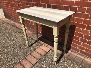 Antique Vintage spindle leg hall table desk