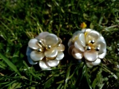 Cream And Gold Plastic Flower Clip On Earrings, used for sale  Shipping to Nigeria