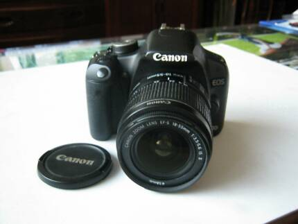 Canon 500D 15MP with HD video +18-55 lens excellent mint con.
