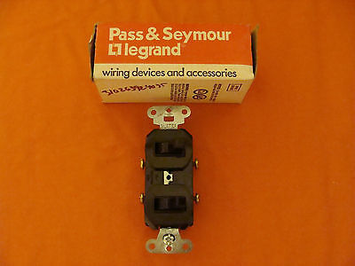 New Old Stock Legrand Combo Switch 670 120277 Volts 20 Amp Brown