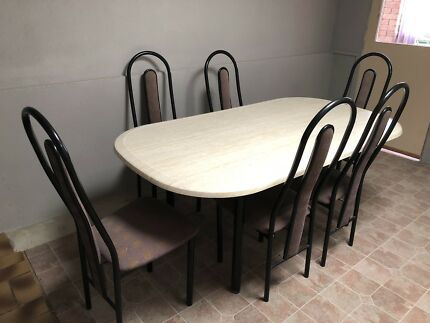 Dining Table Set With Six Chairs Excellent Condition