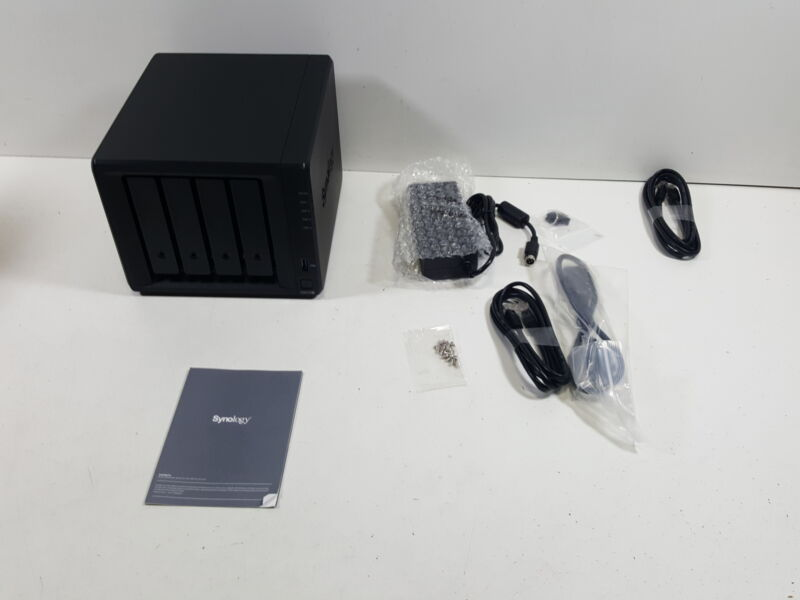 Synology DiskStation DS918+ NAS Server Operating System (DISKLESS)