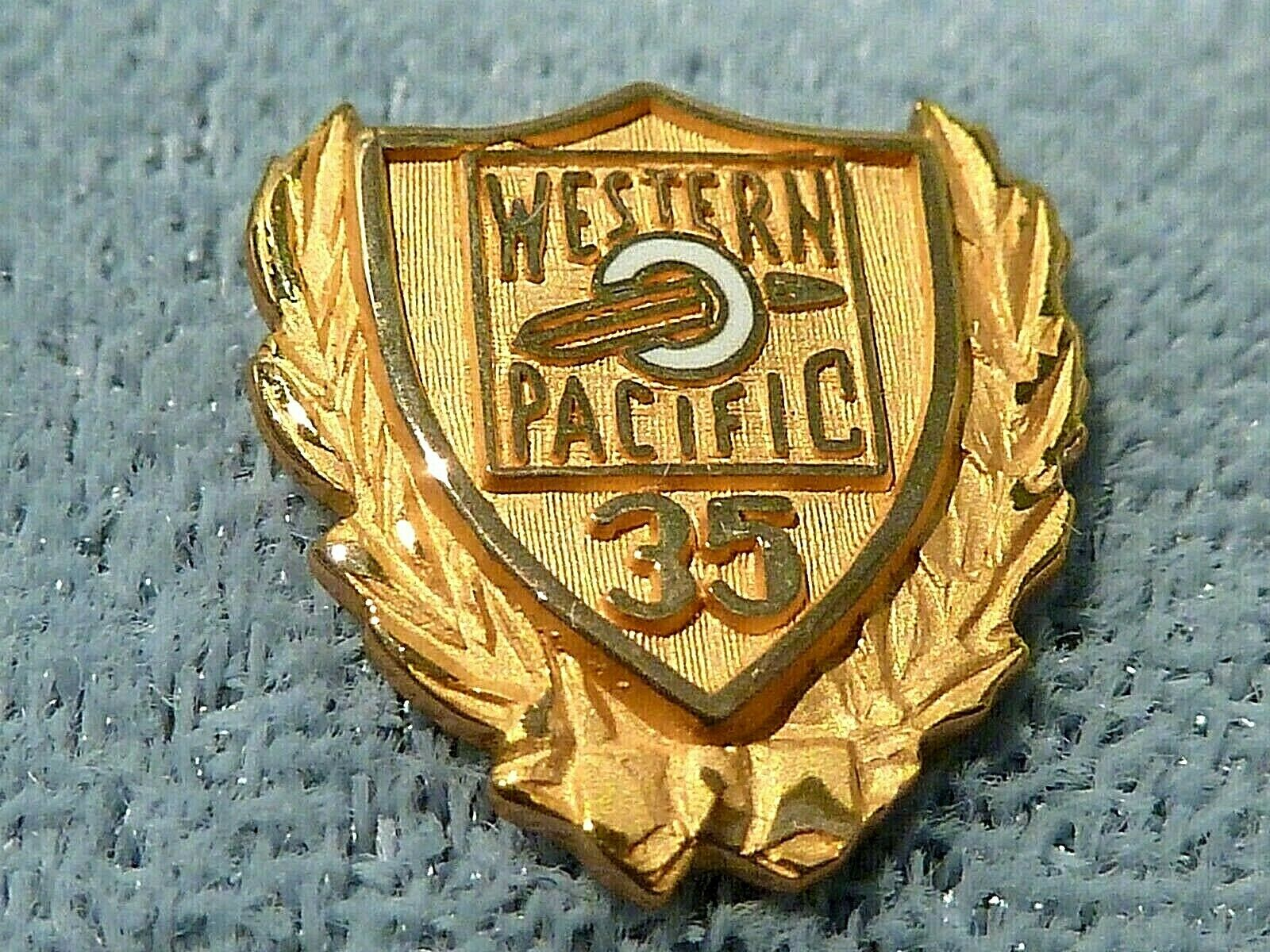 VINTAGE WESTERN PACIFIC RAILWAY RAILROAD EMPLOYEE 35 YEAR 14K GOLD SERVICE PIN