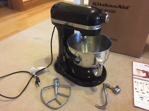 New kitchen aid 6 quart stand mixer