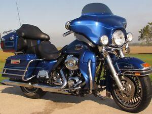 2010 Harley-Davidson FLHTCU Ultra Classic Electra Glide   $41 We