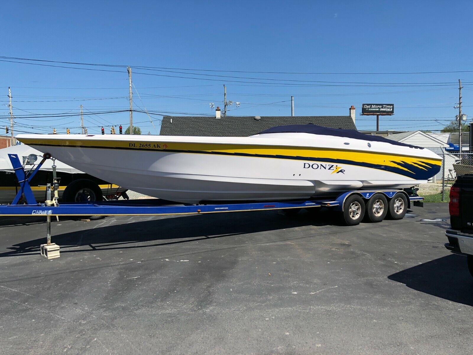 2005 Donzi 35Zr High Performance Boat Cigarette Baja Fountain Formula