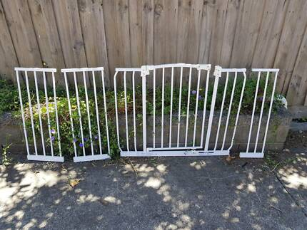 Perma child safety gate extra wide and extentions