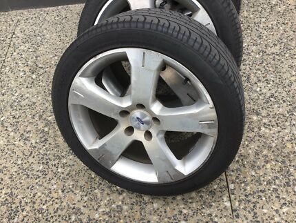 Ford Falcon XR 18 inche wheels