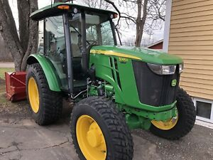 John Deere 5085E Tractor / Normand Blower / Nokian Tires