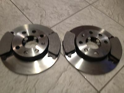 FOR NISSAN MICRA K13 10-16 TWO FRONT VENTED BRAKE DISCS AND A SET OF BRAKE PADS